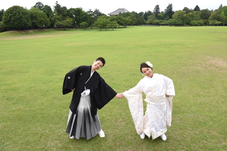 結婚式の前撮り和装写真の白無垢や色打掛けを洋髪でのヘアスタイルや髪型、綿帽子の夏の写真