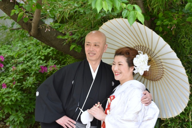 難波八坂神社とスイスホテルの結婚式の写真