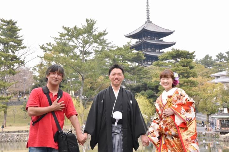 結婚式の和装前撮りを奈良で色打掛けの洋髪髪型ヘアスタイルのデータ付きロケーションフォトの写真