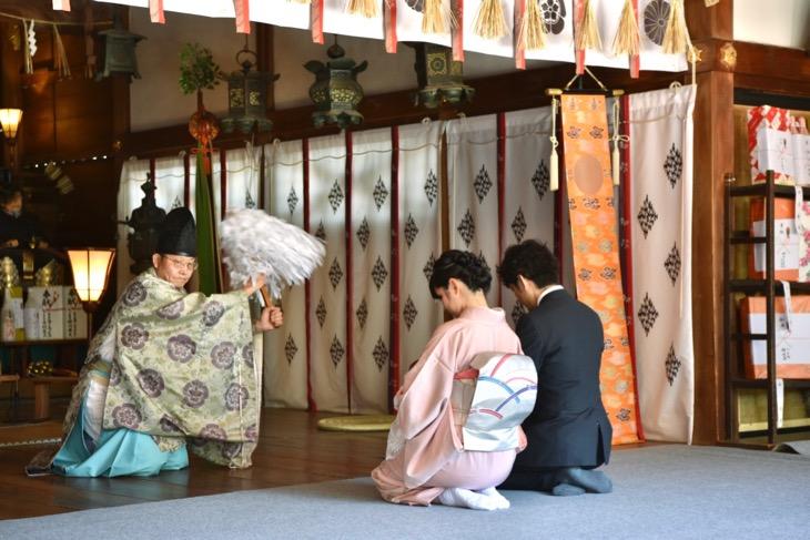 大阪府茨木市にある市役所のすぐ隣にある中央公園の駐車場近くの茨木神社のお宮参りの写真