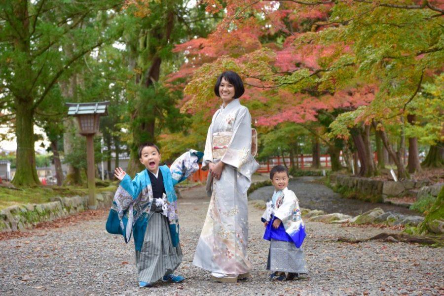 上賀茂神社で兄弟が着物で七五三の写真