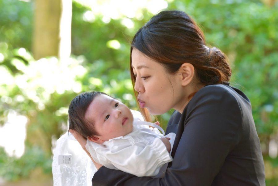 橿原神宮で赤ちゃんのお宮参り写真