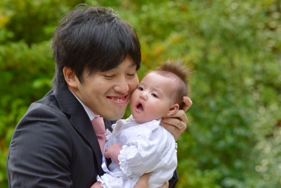 わら天神宮でお宮参りの赤ちゃんの着物写真