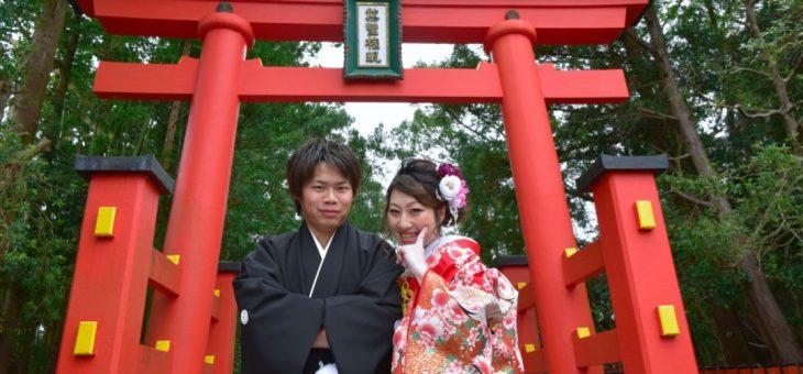 熊野速玉大社で雨の結婚式