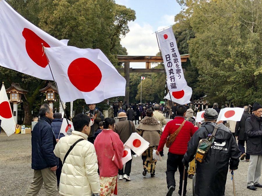 建国記念の日に橿原神宮でお宮参りの写真