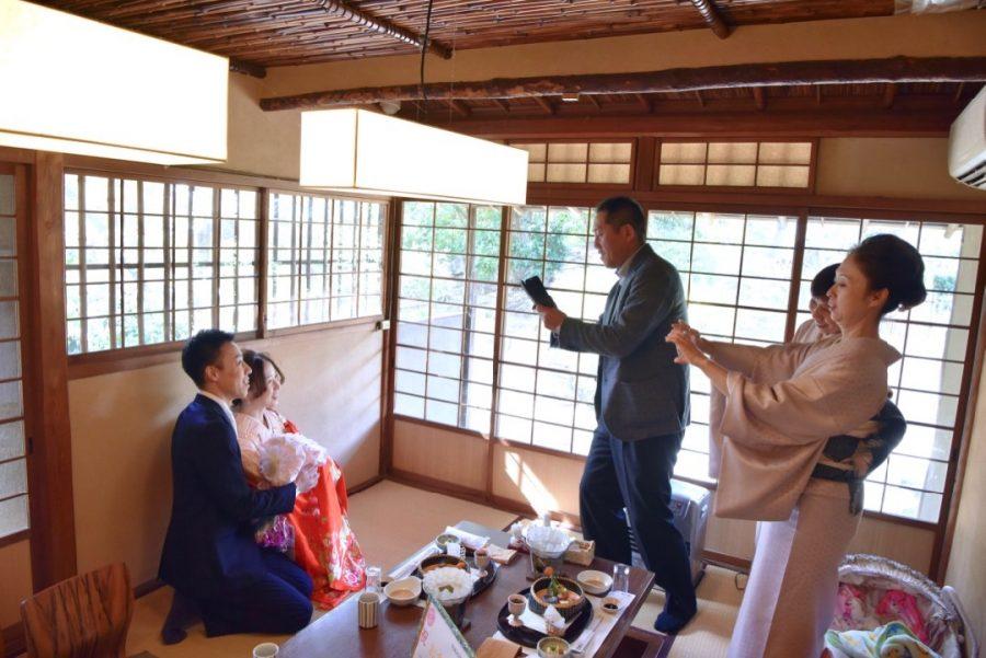 岸城神社でお宮参りの写真撮影
