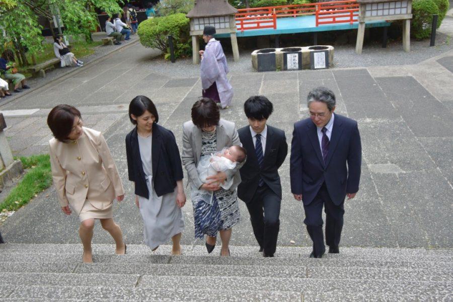 岡崎神社のお宮参りと室町和久傳お食い初めの写真