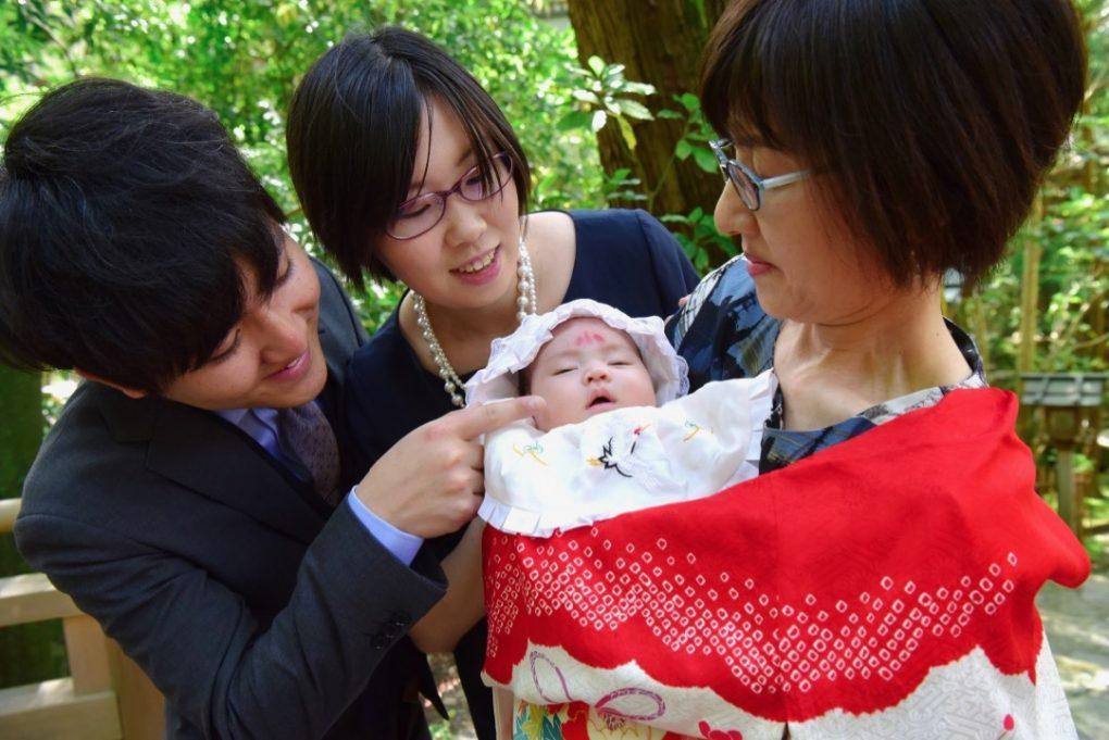 お宮参りでお宮参りの着物の赤ちゃん