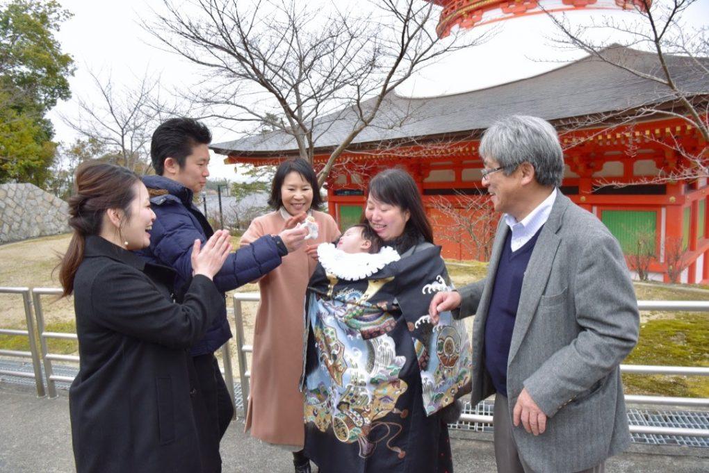 宝塚市中山寺でお宮参りの記念写真撮影