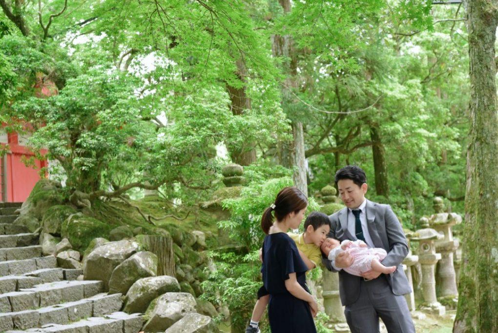 春日大社でお宮参りのご祈祷記念写真